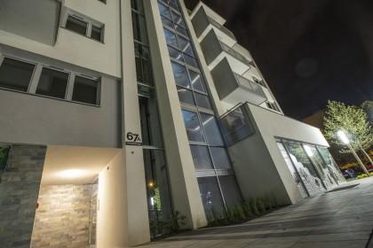 Apartamentowiec A1-noc_Panorama