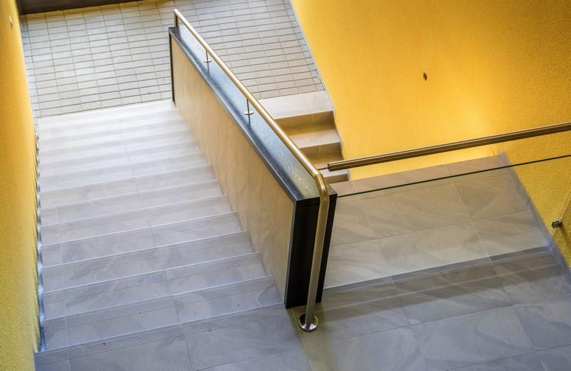 Tychy, ul. Nowa - wnętrze klatki schodowej